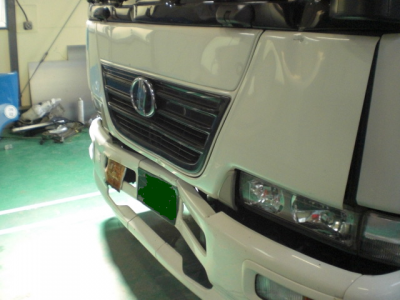 トラック 応急処置 バンパー