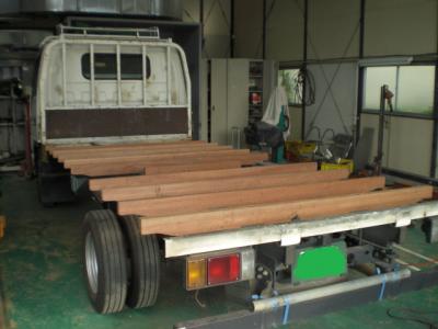 トラック床板交換